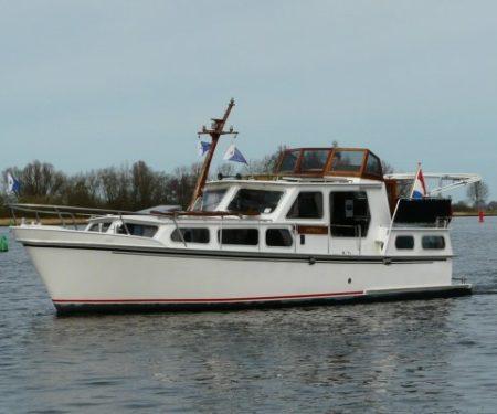Zijda Yachting: Jachtverhuur Friesland