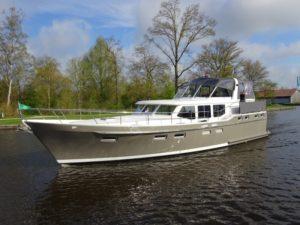 Viatrix Elite-jacht-huren