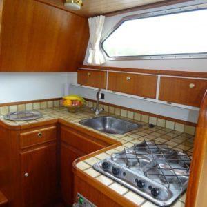 Keuken aan boord van een jacht